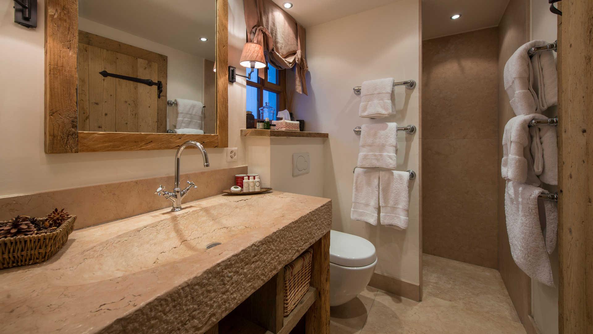 chalet-nyumba-bathroom2-2