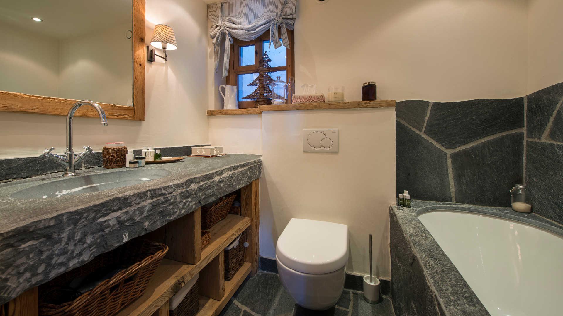chalet-nyumba-bathroom3-2