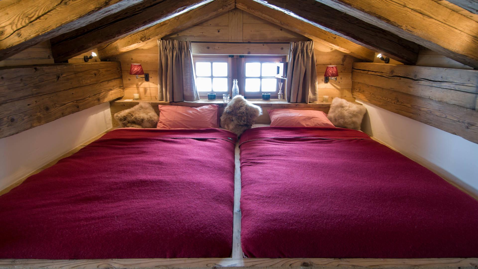 chalet-nyumba-small-bedroom-2