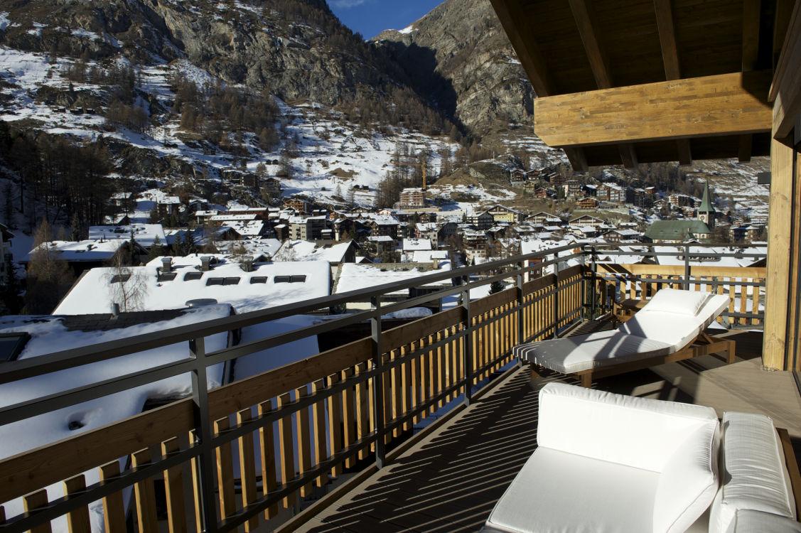 chalet-aria-balcony2-2