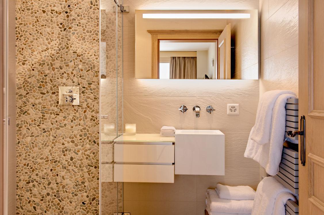 chalet-grace-bathroom-3