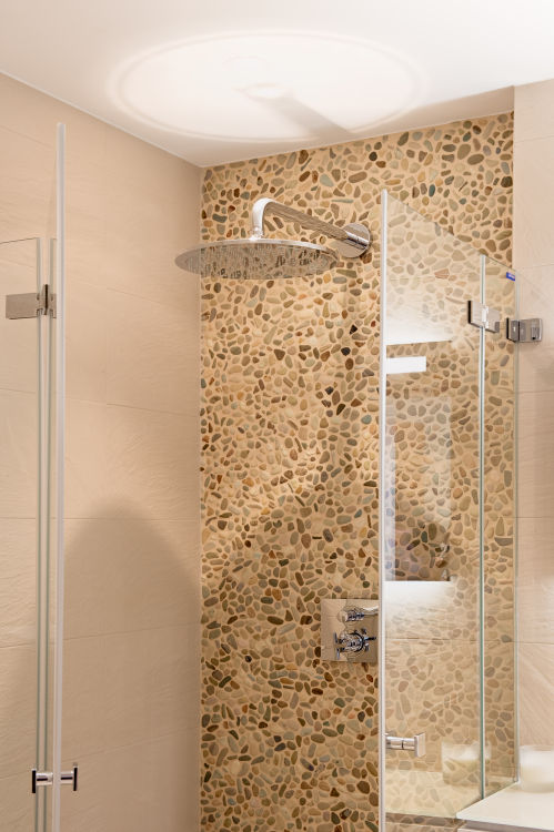 chalet-grace-shower-2