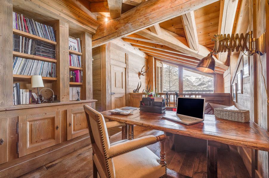chalet-montana-office-2