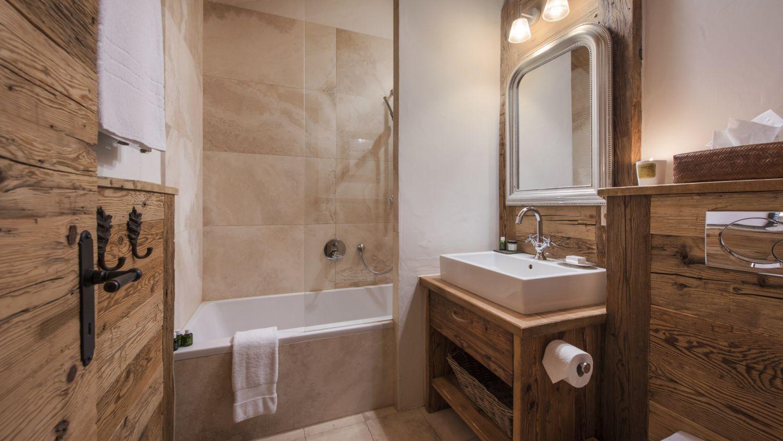 chalet-treize-etoile-bathroom-5