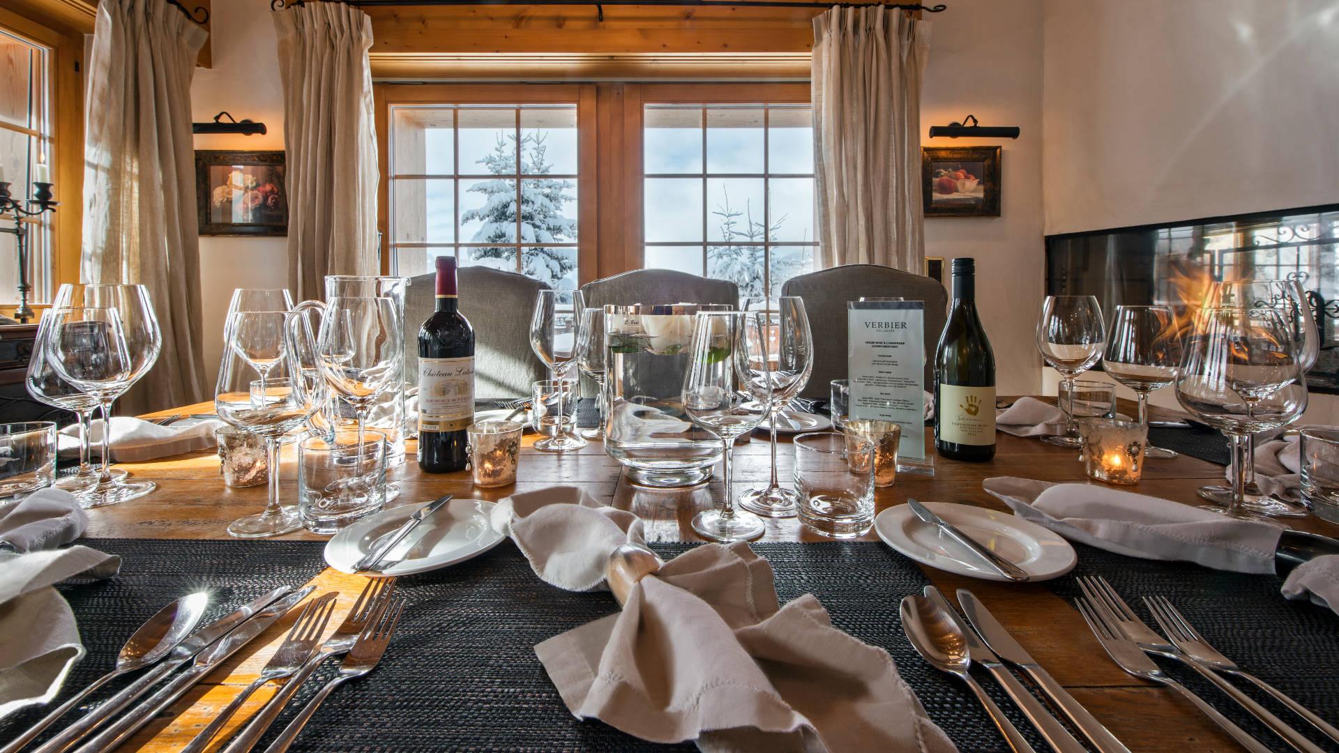 les_attelas_-_dining_room_1