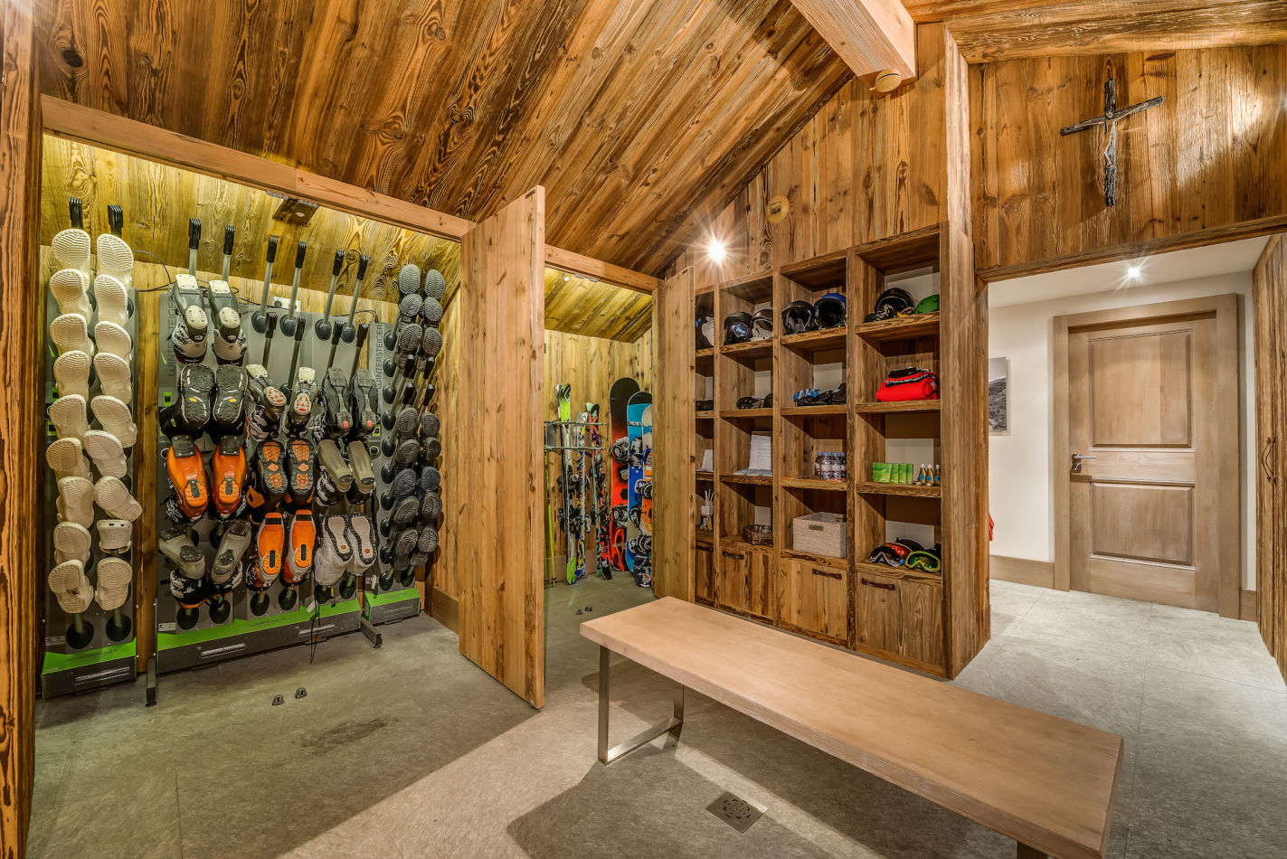 mont-tremblant-boot-room