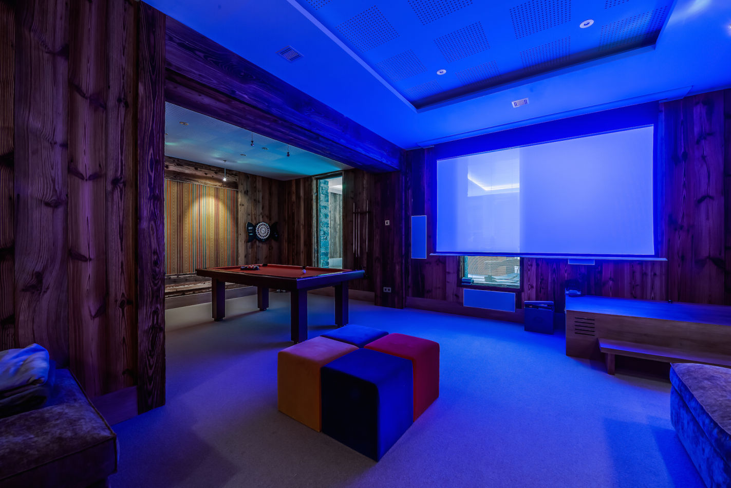 mont-tremblant-cinema-and-games-room