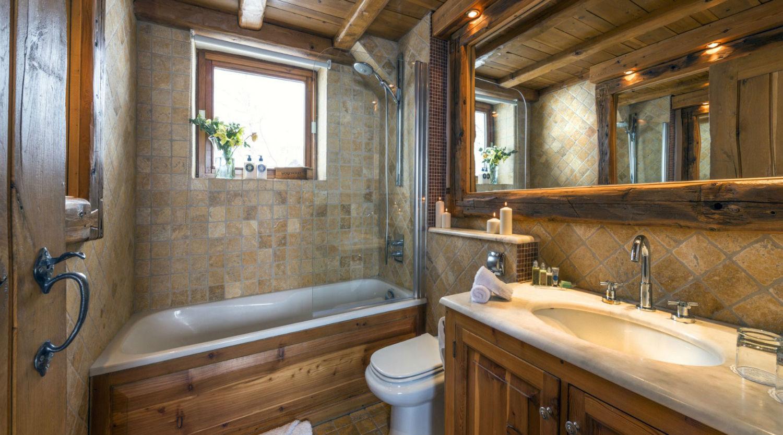 le-chardon-bathroom-moniak-2