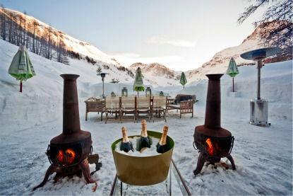 le-chardon-terrace-and-table-small-file
