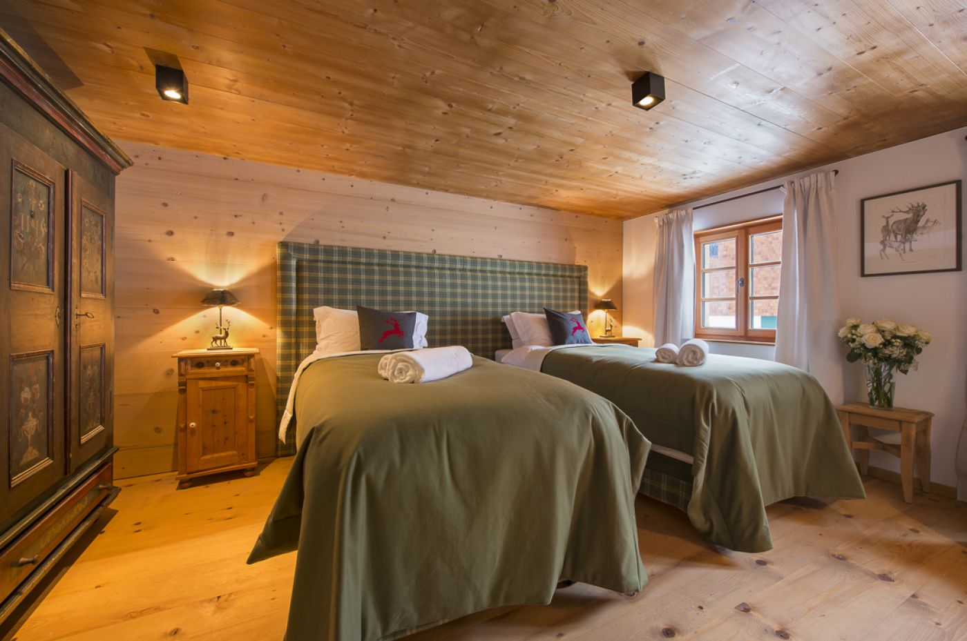 12chalet-1597-twin-room2-2