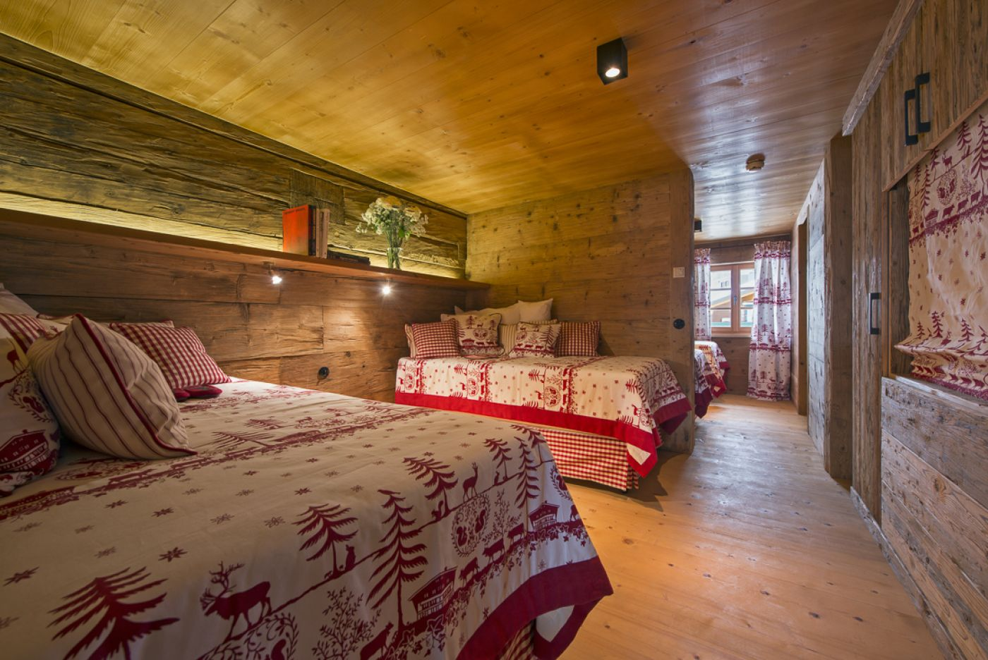 14chalet-1597-twinroom-2