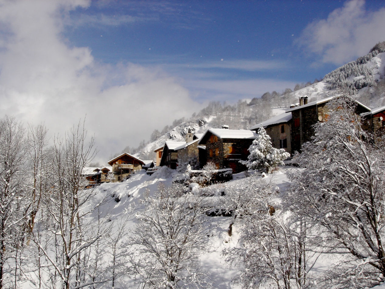 25-villerabout-copy-right-www-thealpineclub-co-uk