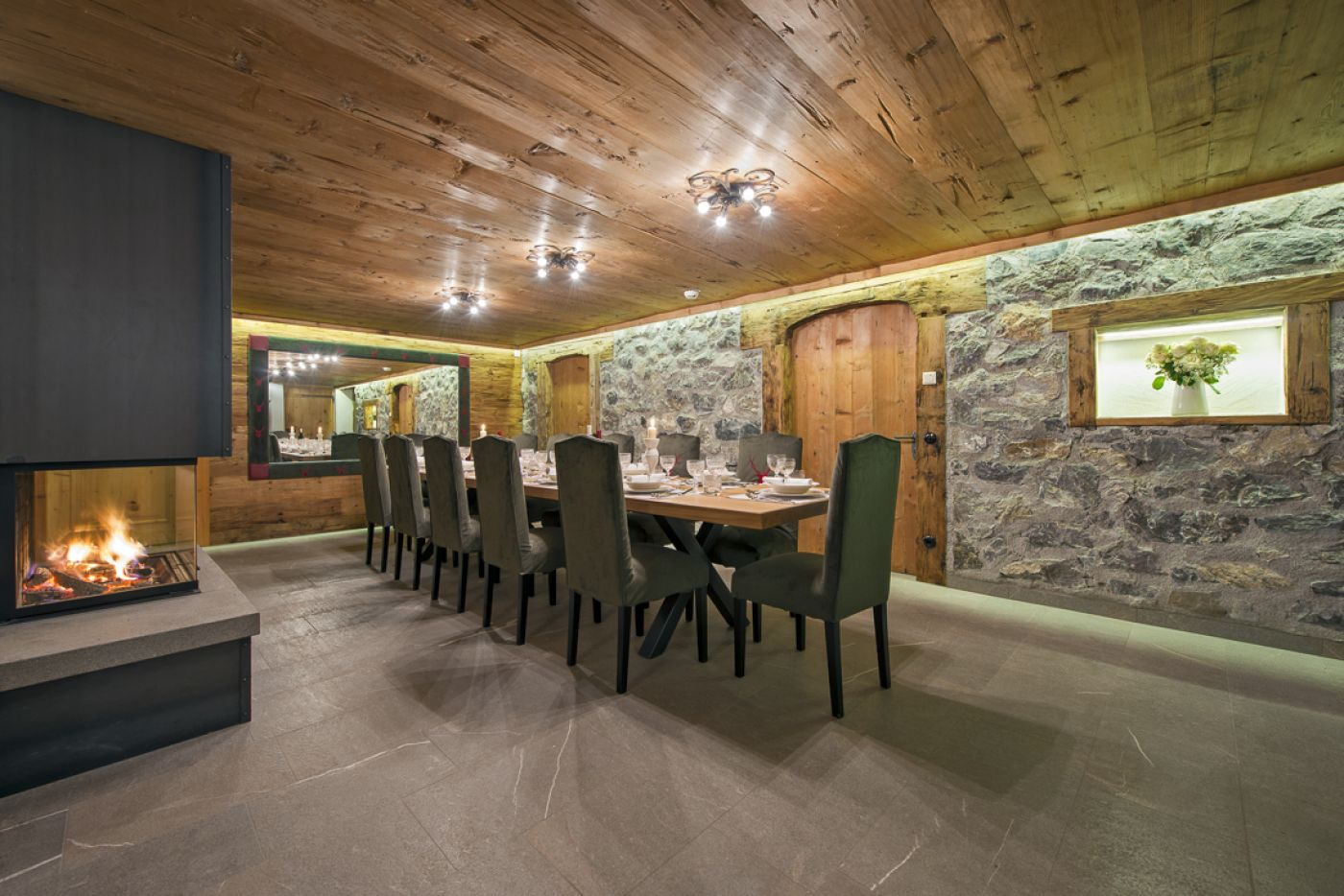 3chalet-1597-dining-2