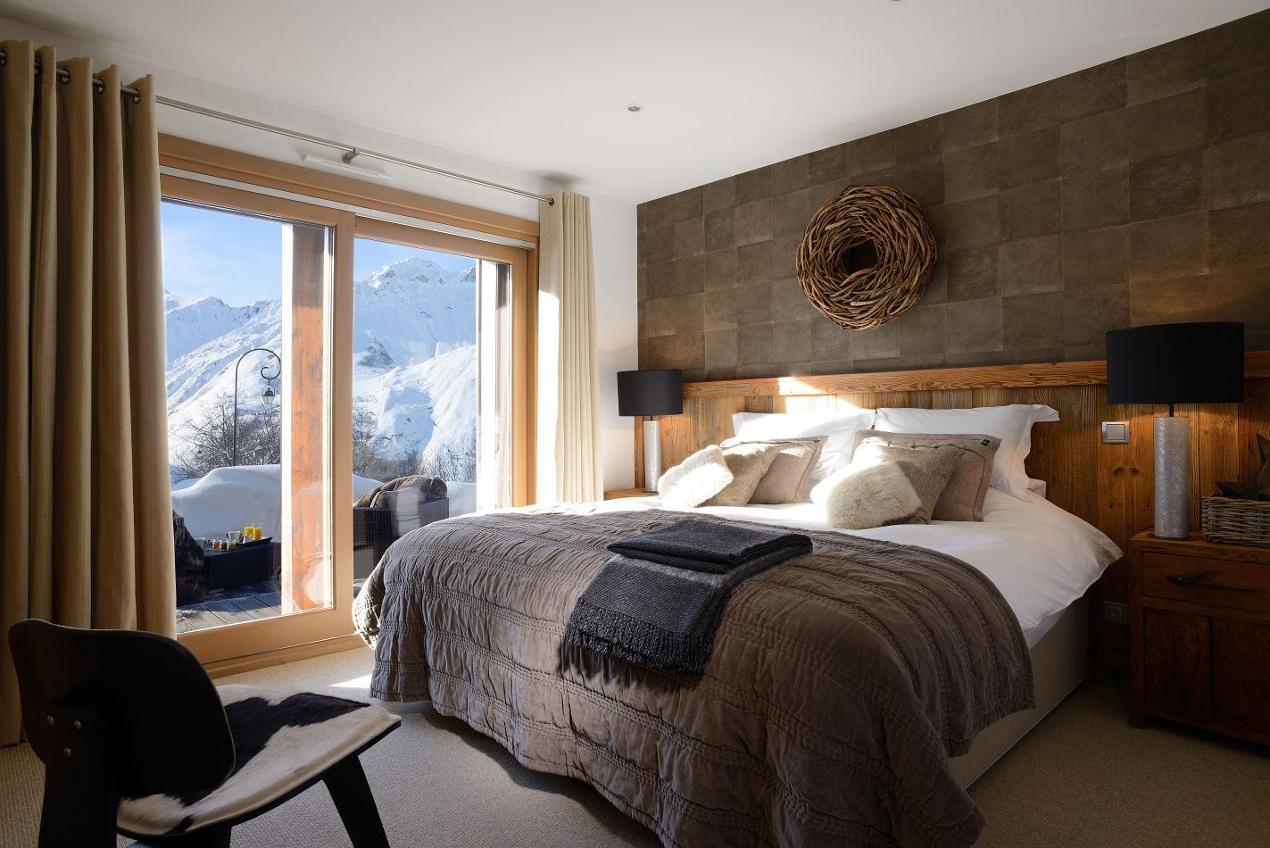 7-bedroom-3-family-suite-with-twin-or-double-bed-separate-triple-bunk-bedroom-en-suite-bathroom