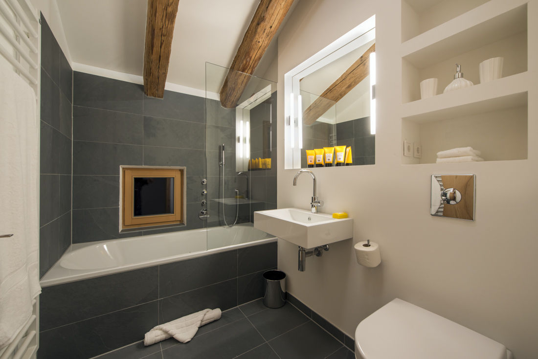 chalet-almajur-bathroom-2