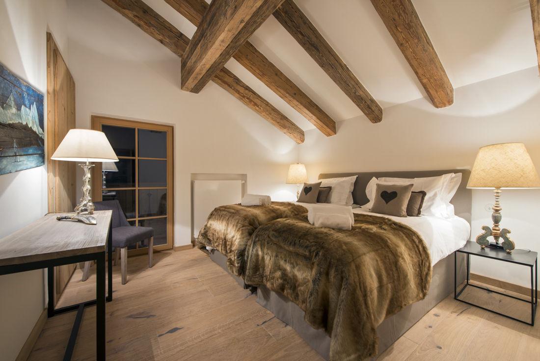 chalet-almajur-bedroom2-2