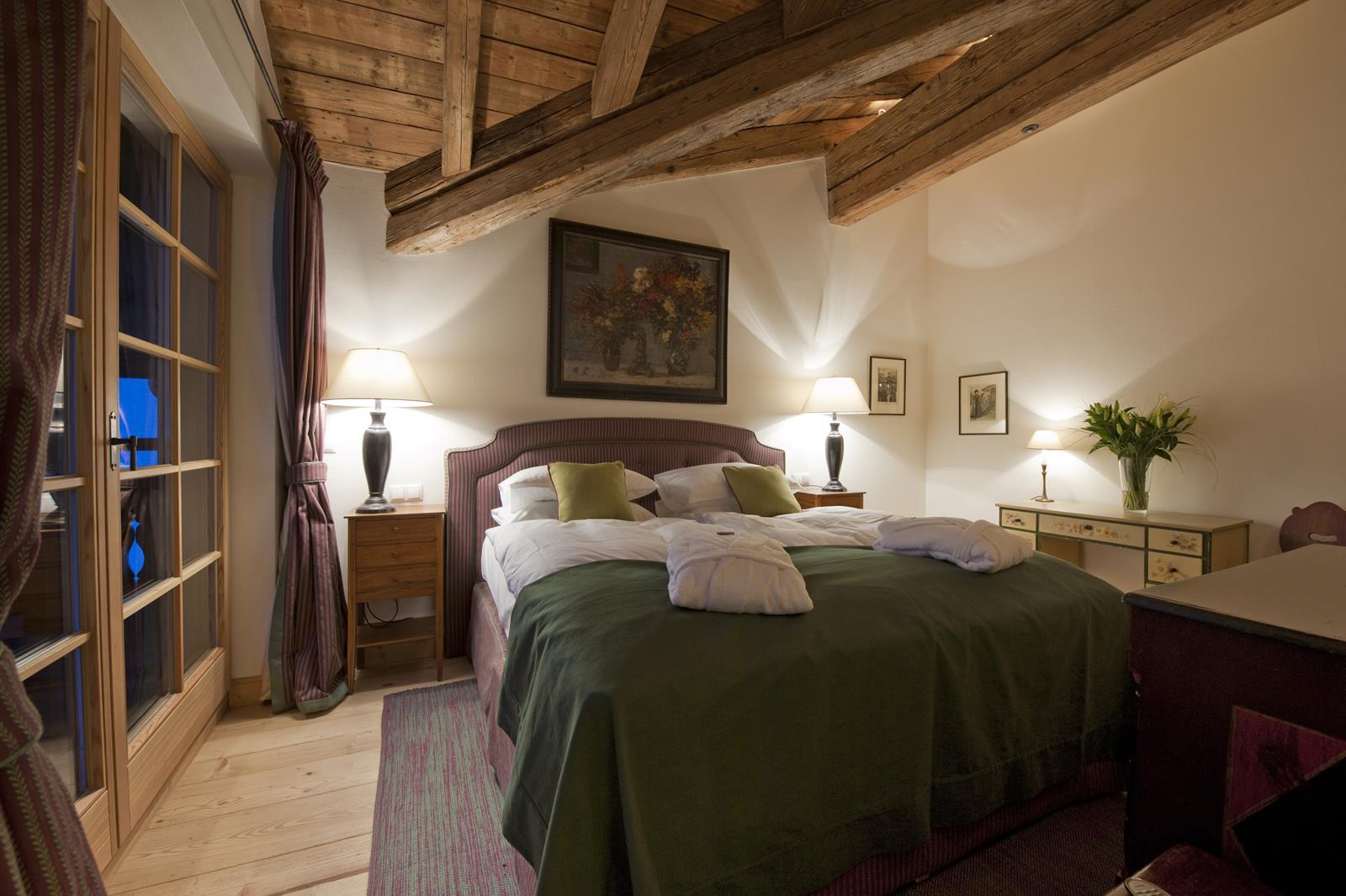 chalet-antoinette-bedroom-2