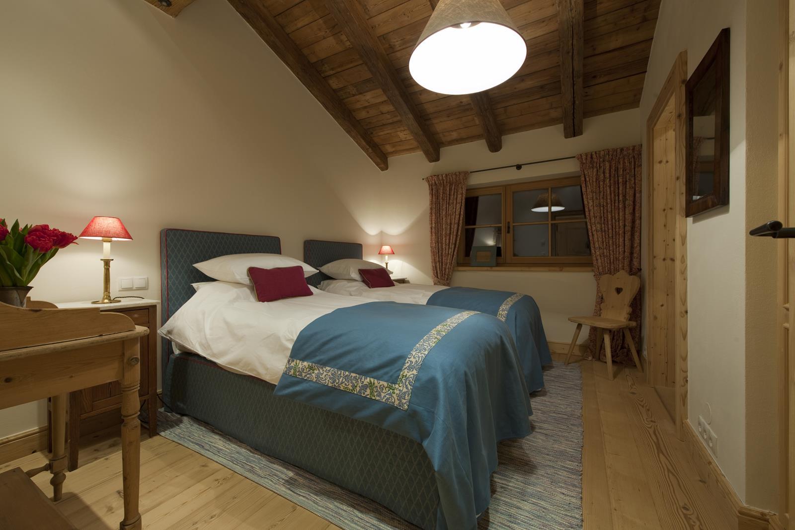 chalet-antoinette-bedroom3-2