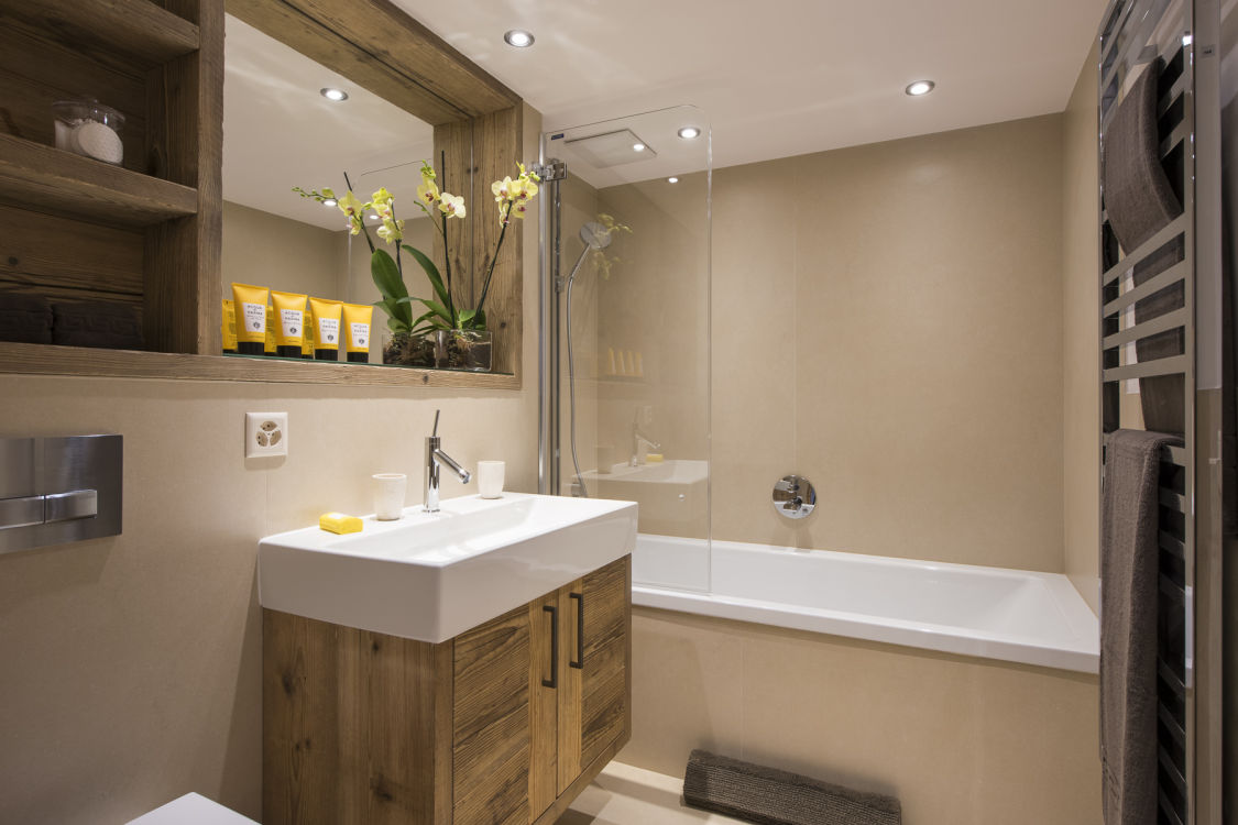 chalet-delormes-bathroom