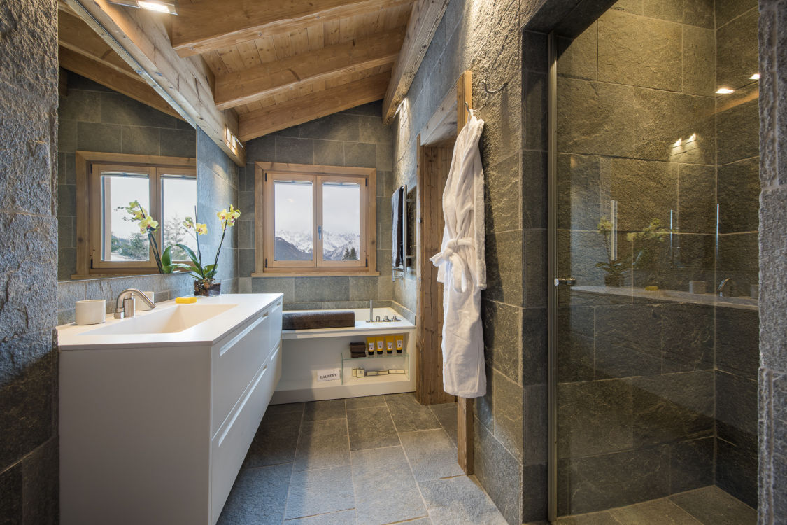 chalet-delormes-bathroom3