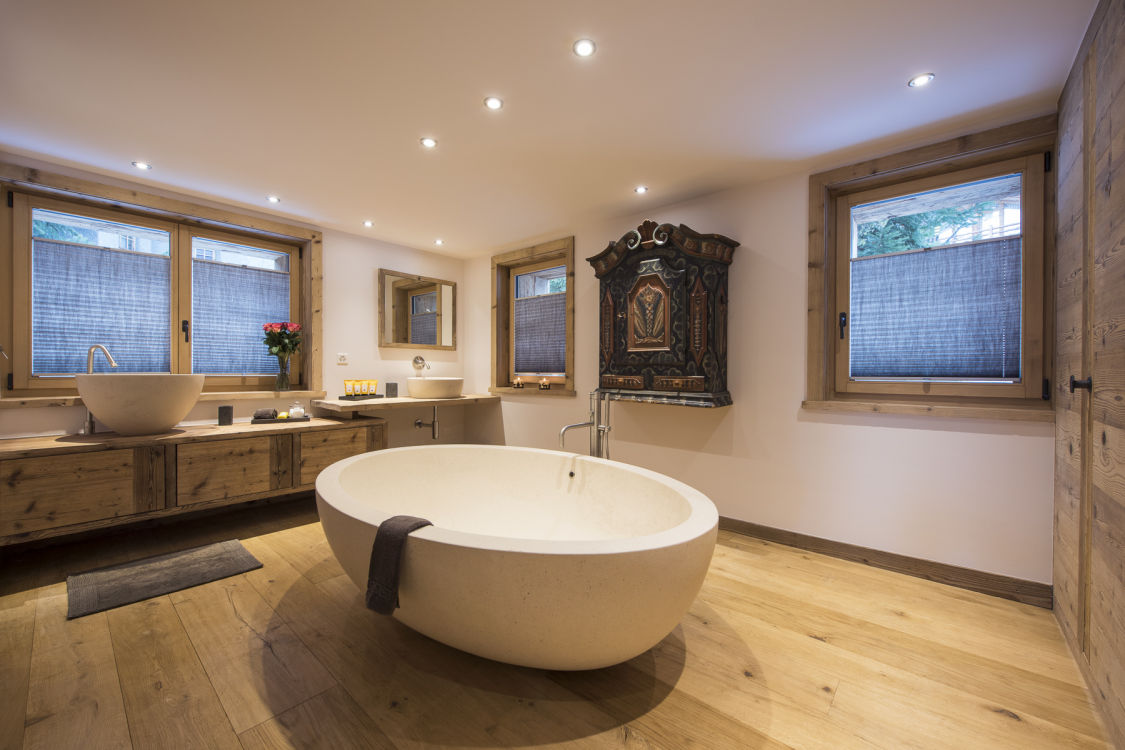 chalet-delormes-bathroom5-2