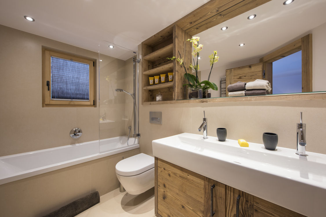 chalet-delormes-bathroom7-2