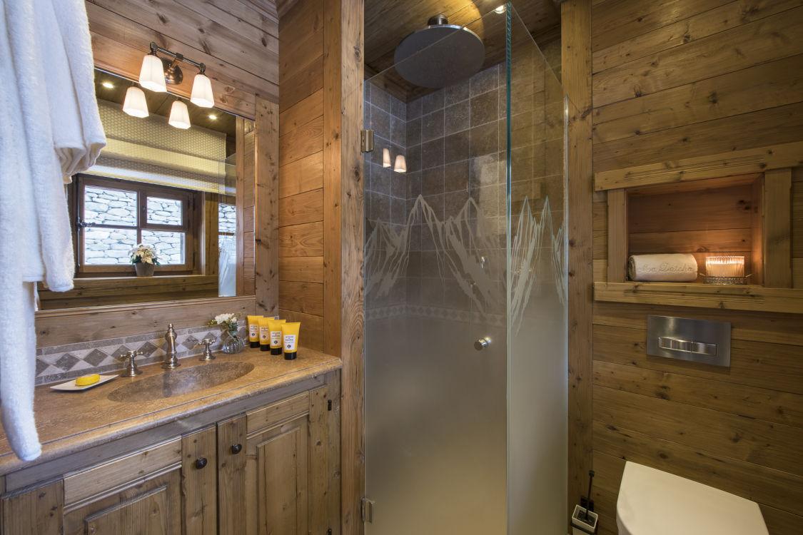 chalet-mon-izba-bathroom-2