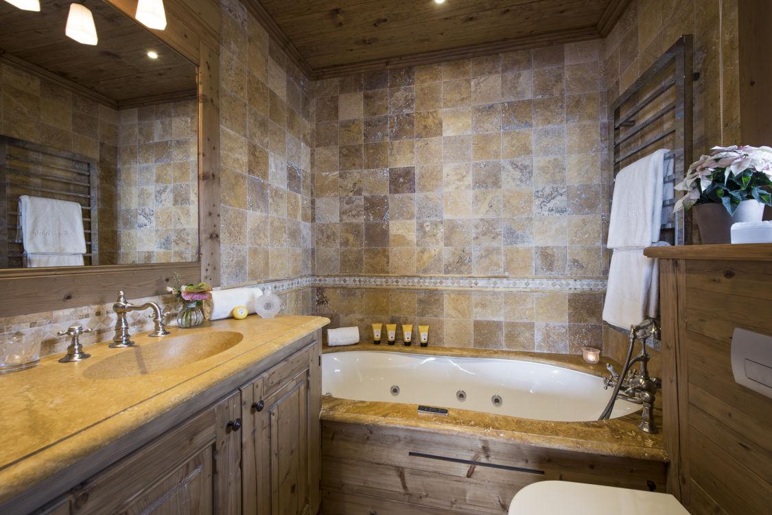 chalet-mon-izba-bathroom2-2