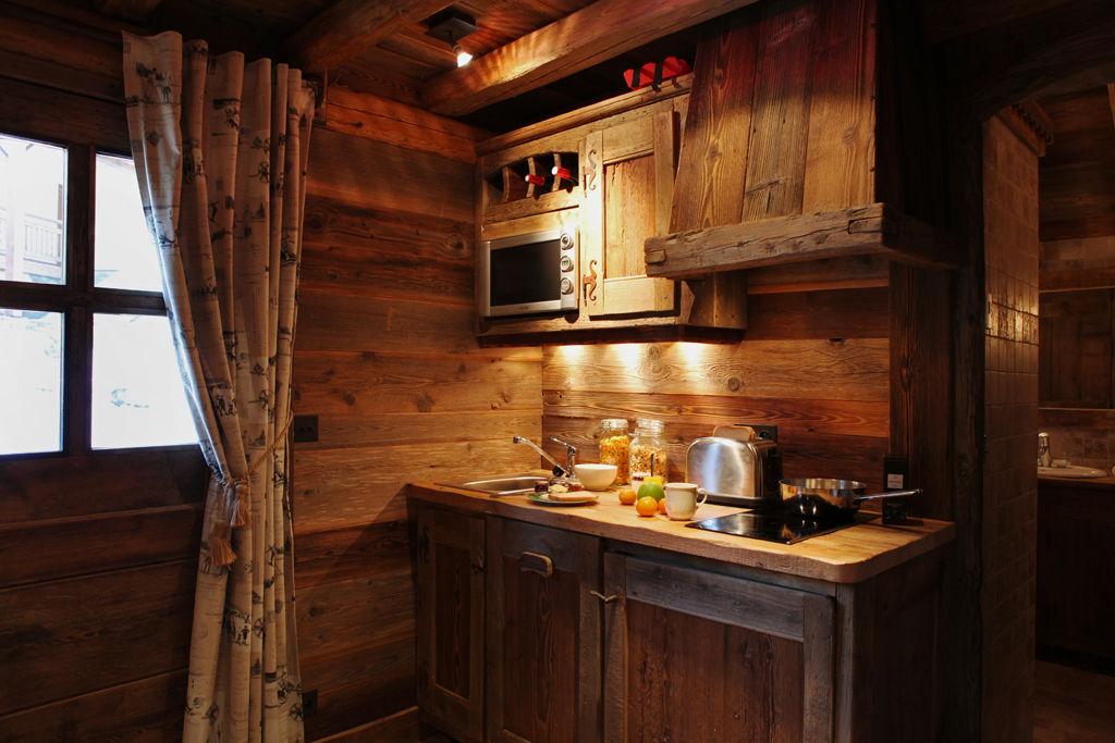 chalet-petit-marmotte-kitchen-3