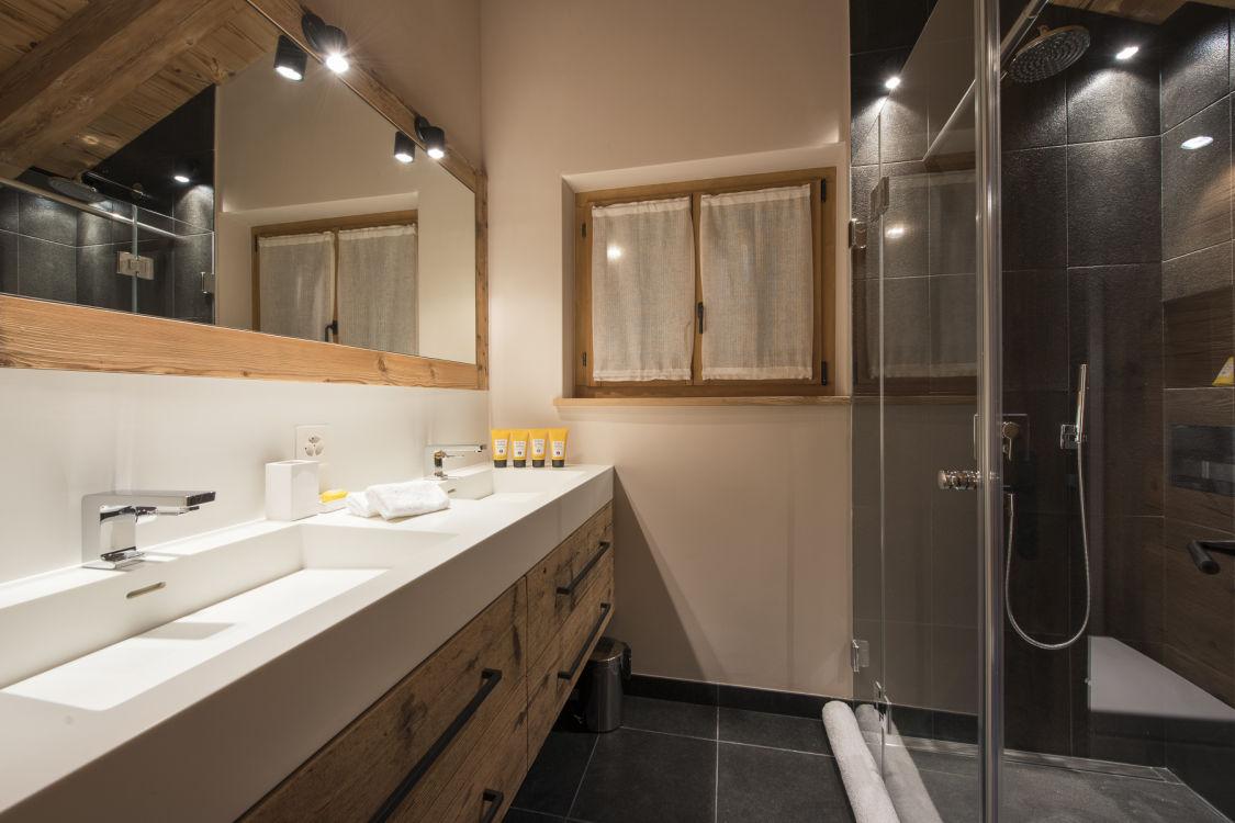 chalet-sirocco-bathroom3-2