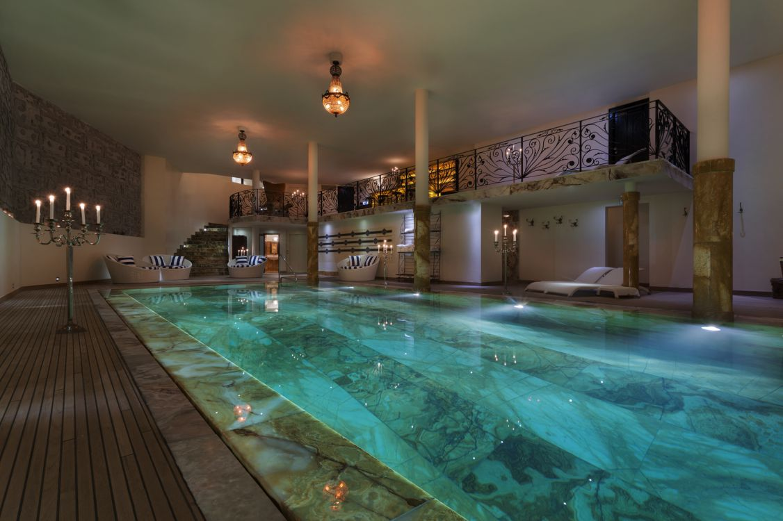 chalet-truffe-blanche-swimming-pool-2