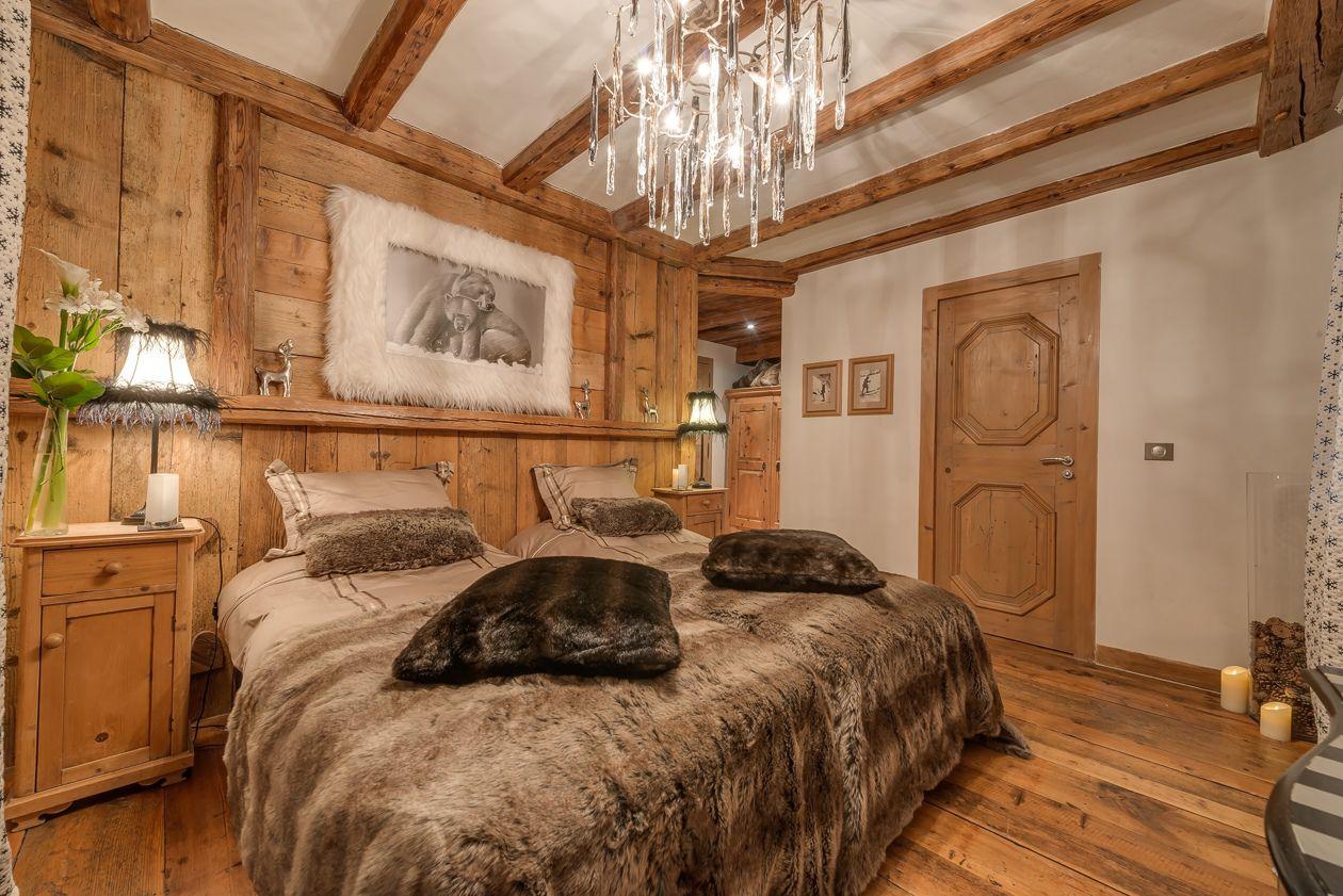 chalet-le-rocher-bedroom1-2