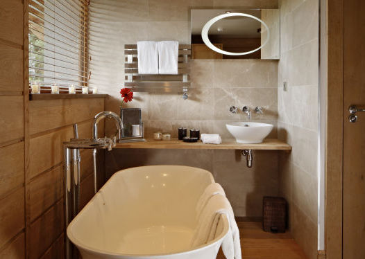 grande-corniche-bathroom1-2