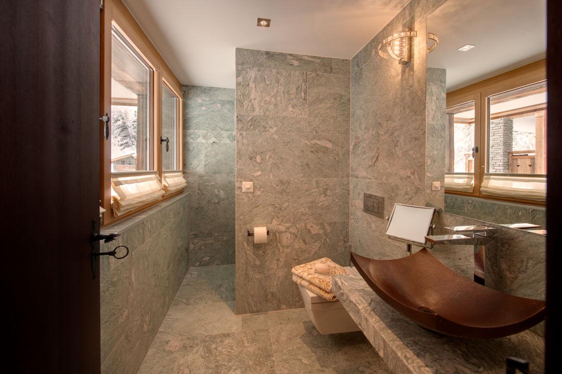 high-7-jewel-shower2-2