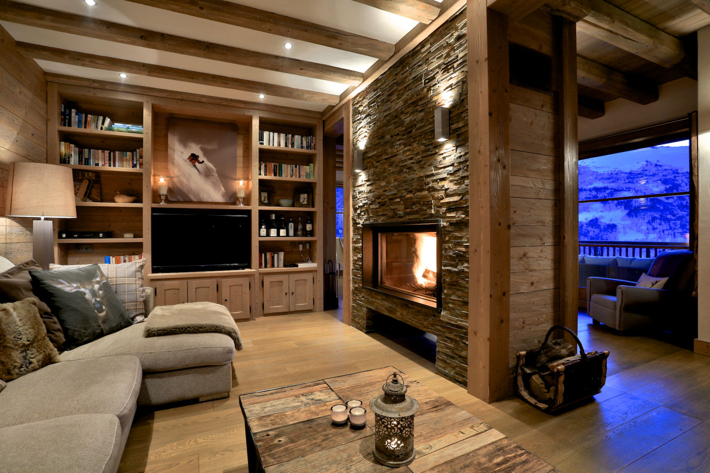livign-room-with-fire-in-evening-image-127