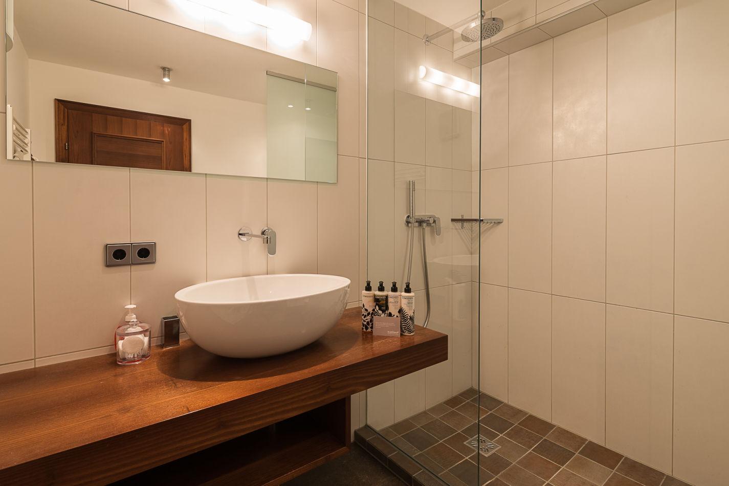 bathroom_2_web-3