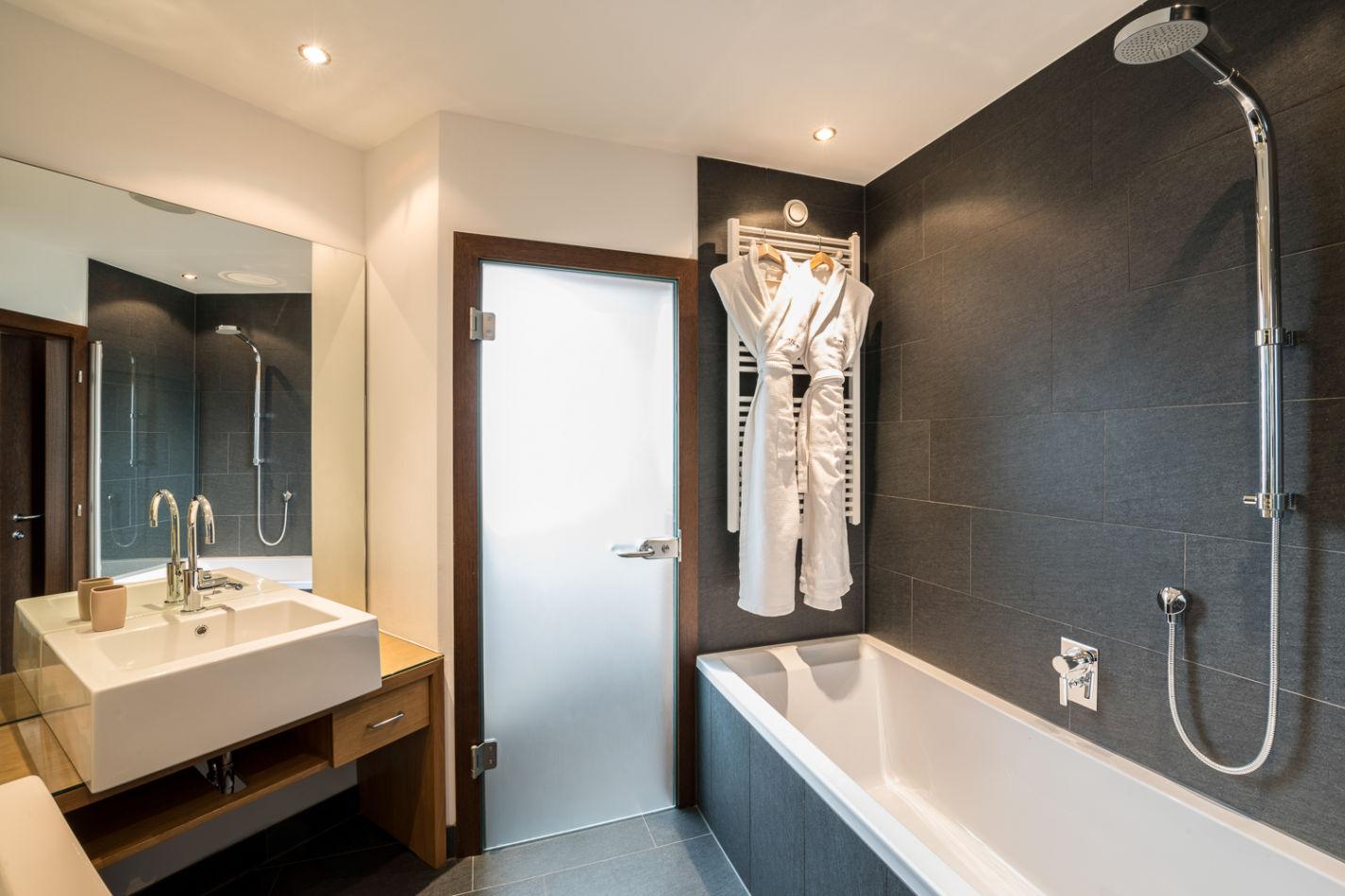 bathroom_double_1-5