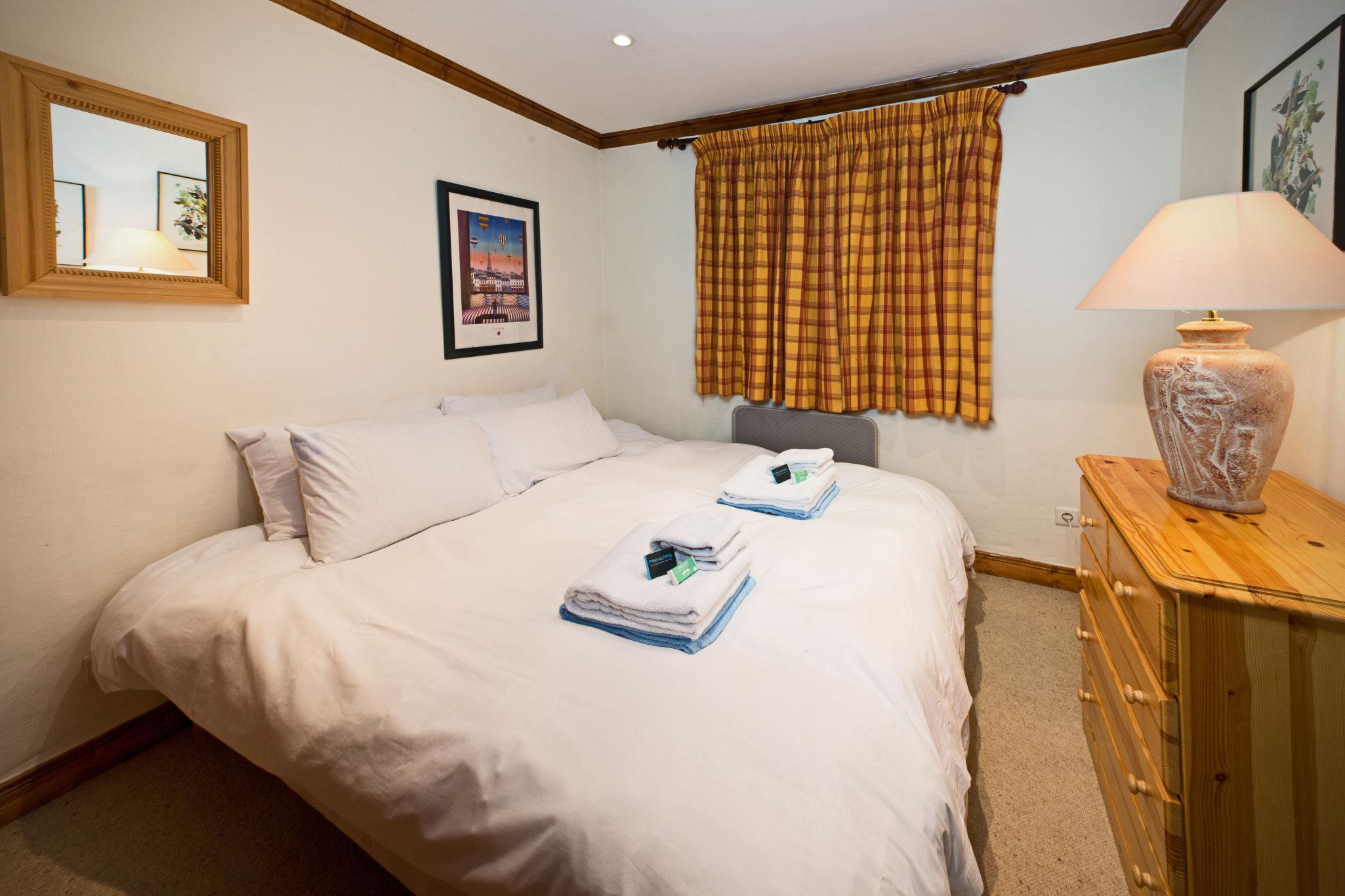 bedroom_double_3-4