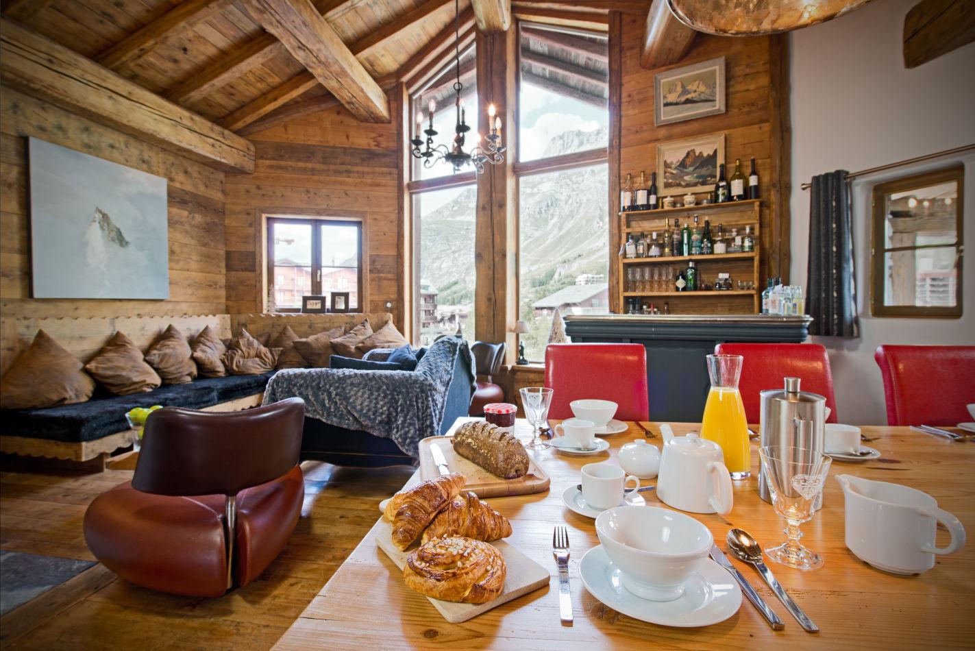 breakfast_table-2