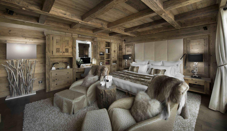 07-master-bedroom