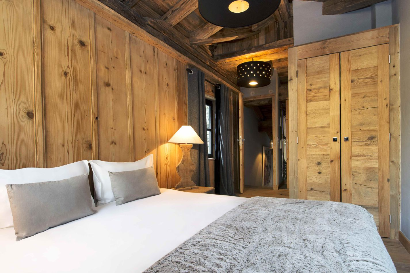 ad-rive-gauche-attic-bedroom