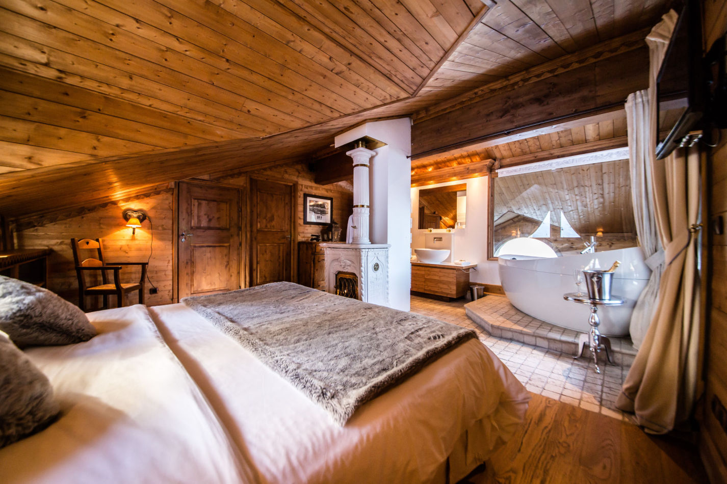 hermine-master-bedroom