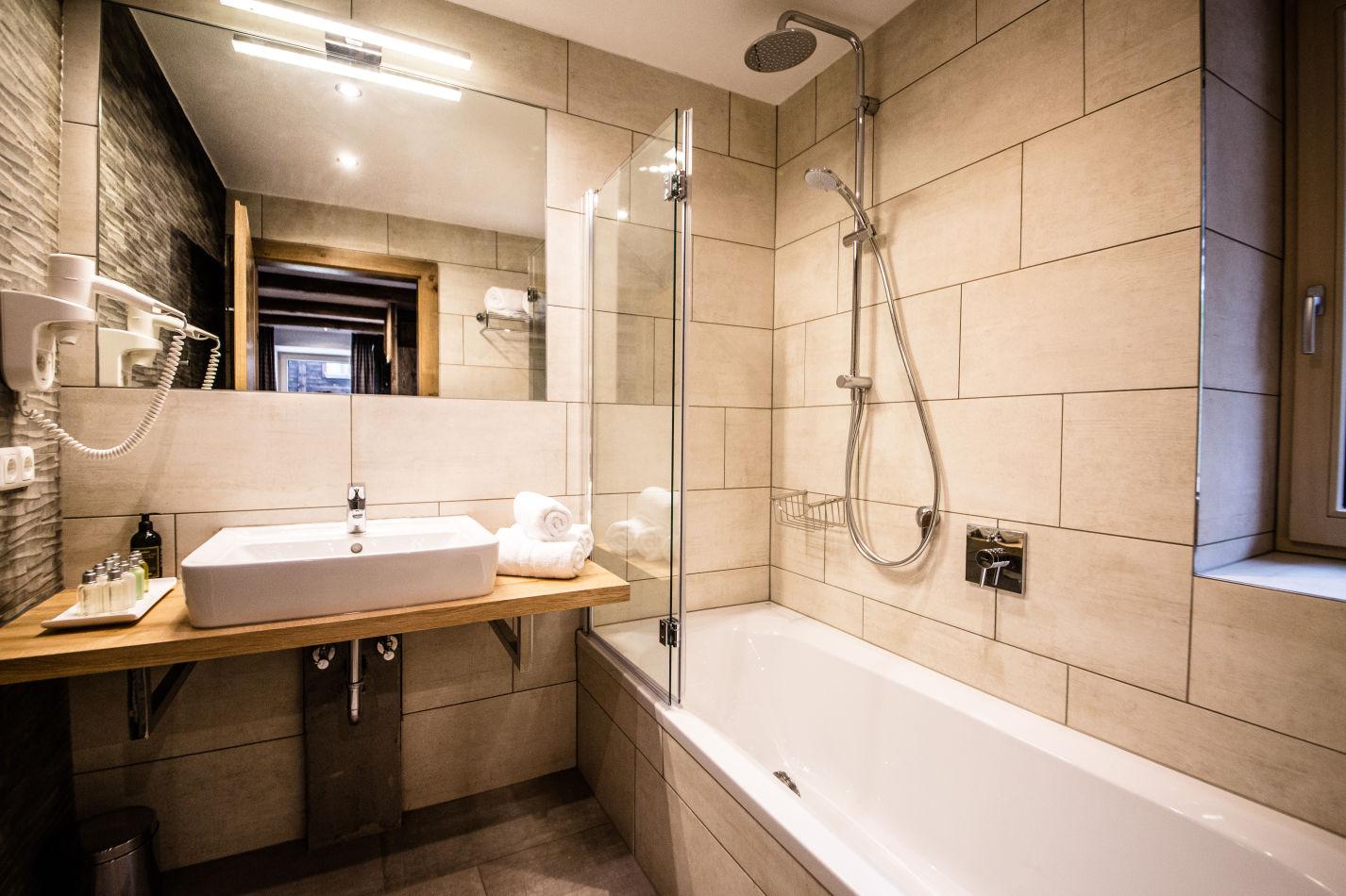 montfort-bathroom