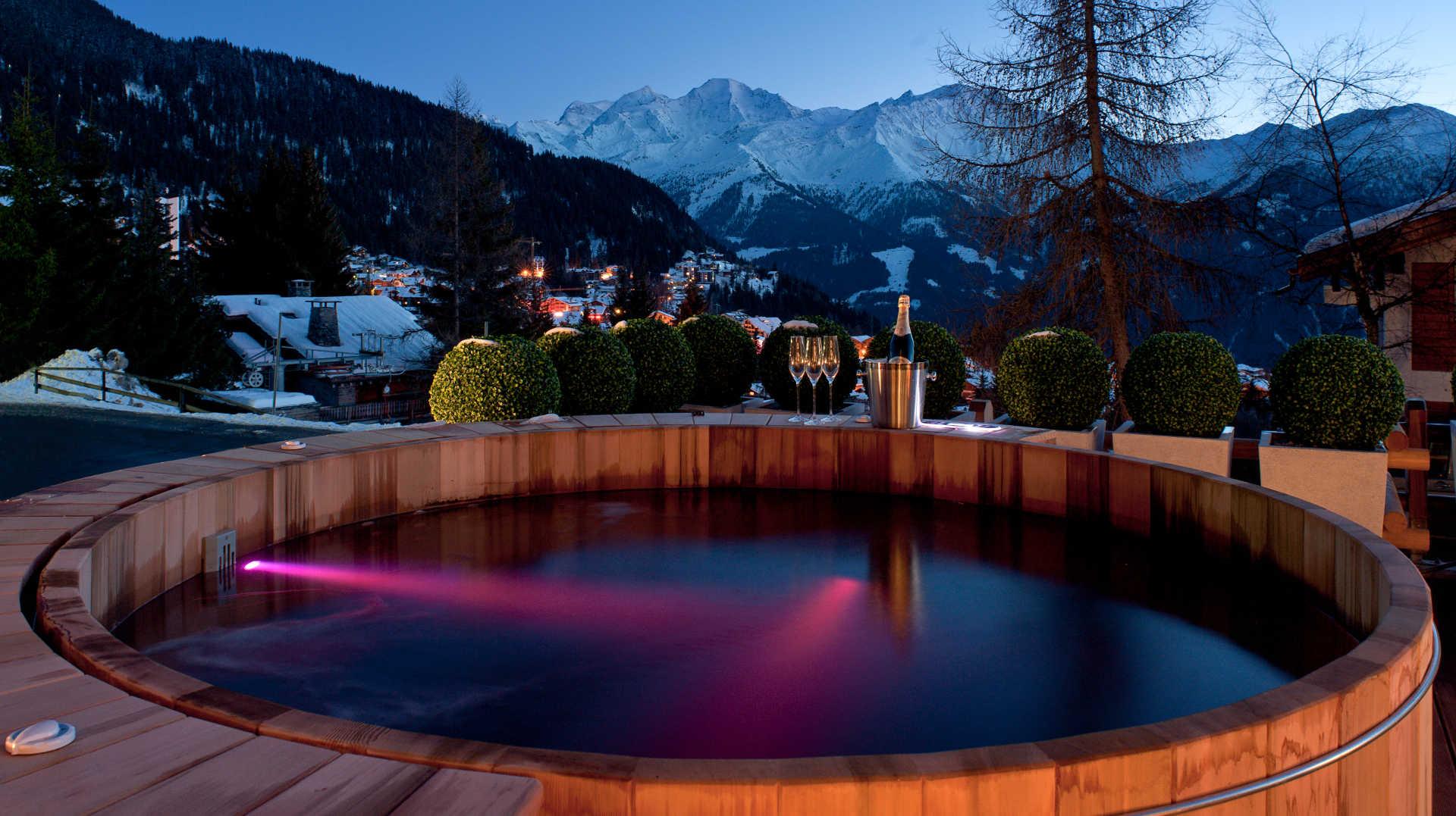 no-14-outdoor-hot-tub-3