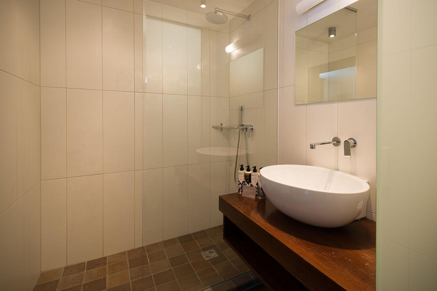 bathroom_2_web-4