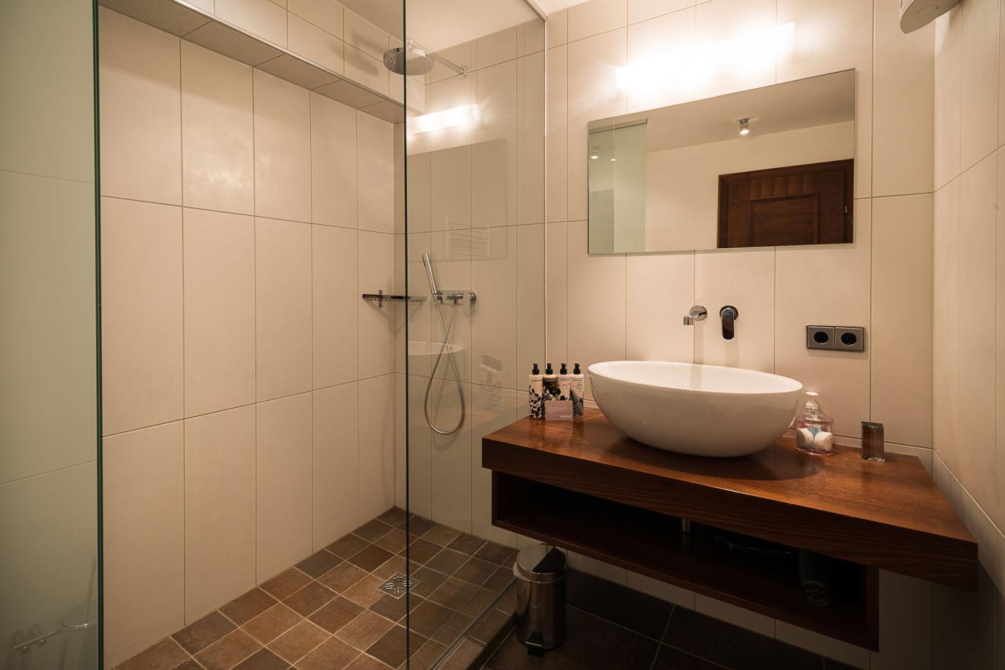 bathroom_3_web-4