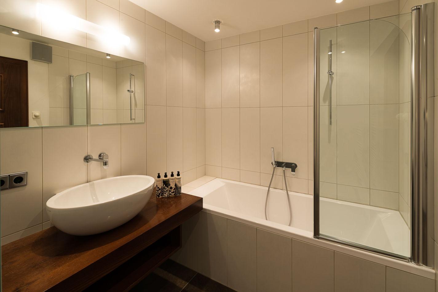 bathroom_4_web-3