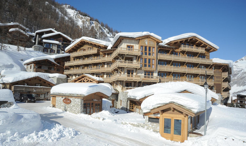1-exterieur-de-lho%cc%82tel-n1-hotel-exterior-copie
