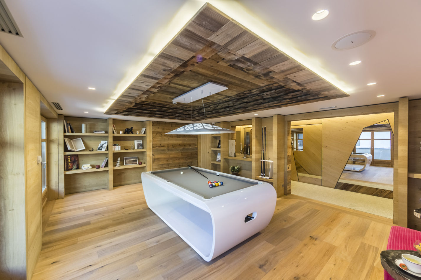 39-salle-de-billard-pool-table-room