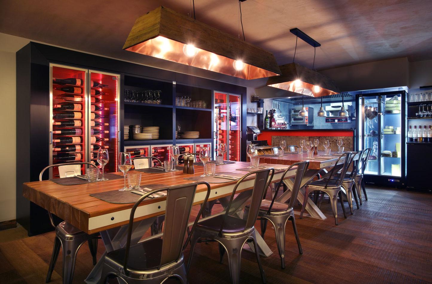 cave-restaurant-10